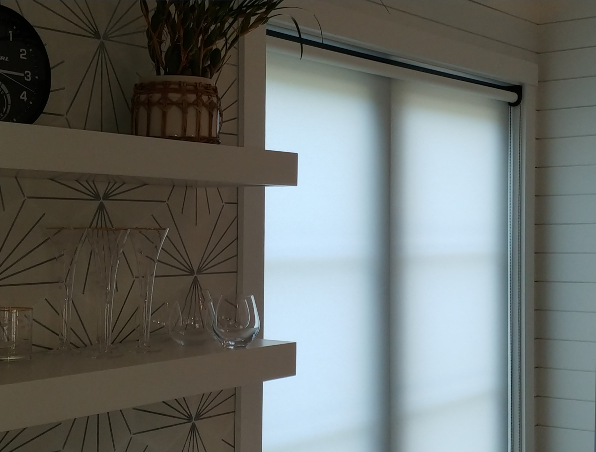 Coulisse roller shades with black 2.0 hardware- Duck, NC